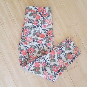 Floral Dockers capri trouser pants